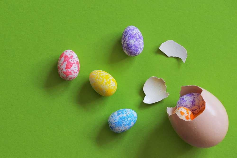 cracked easter eggs